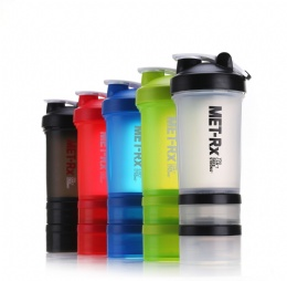 popular water bottles 500ml three layer plastic protein shaker bottle with handle